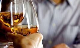 Почему люди начинают пить: важная информация